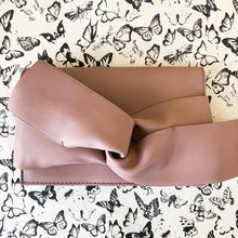 Load image into Gallery viewer, Mauve Lilac Leather Bow Clutch