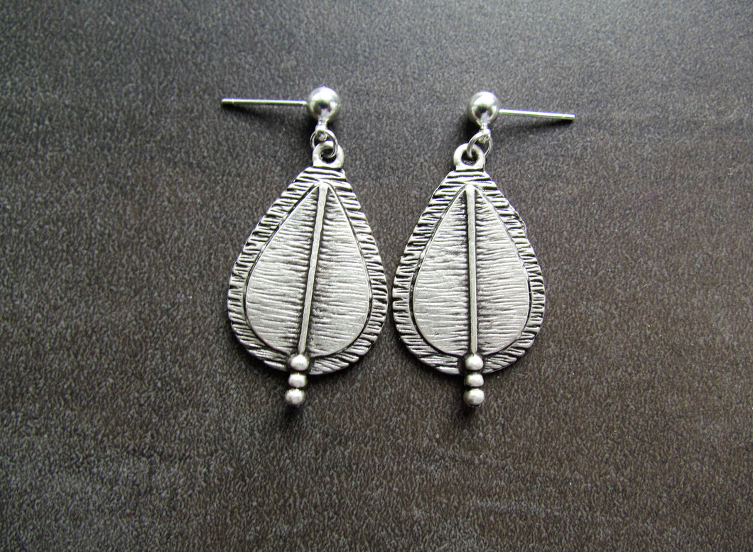 LUTE Earrings