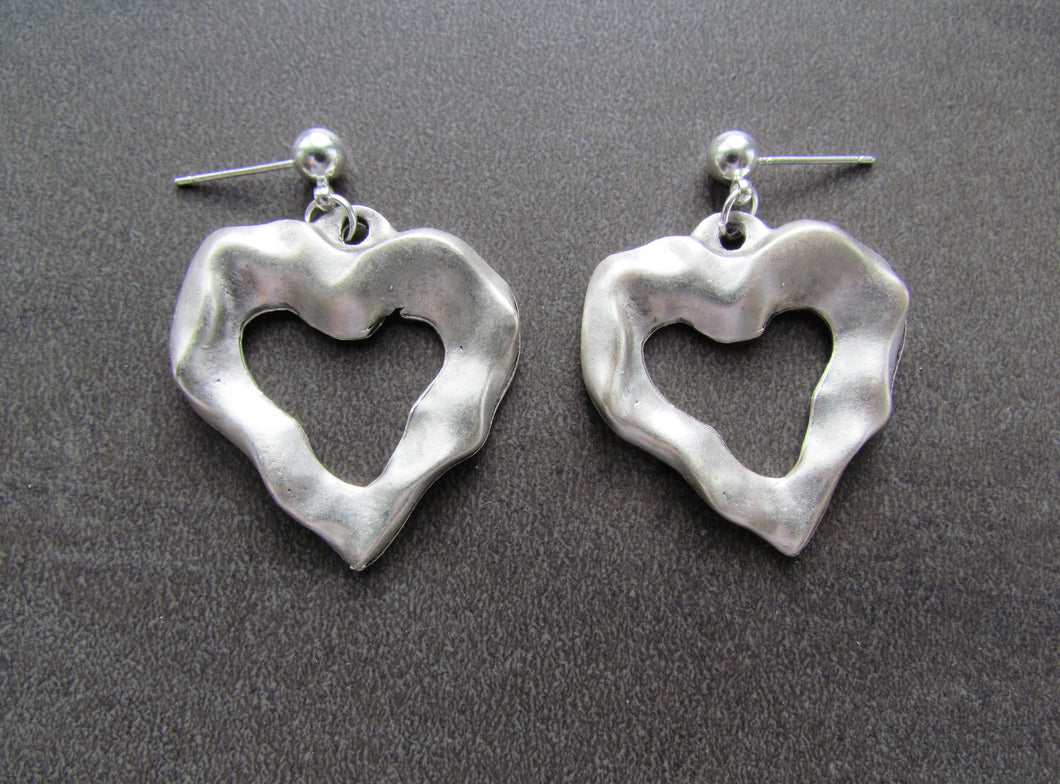 RUGGED HEART Earrings