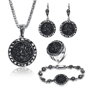 Vintage Black Round Jewelery Set - Sensationally Fabulous