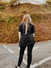 Laden Sie das Bild in den Galerie-Viewer, Guuurl Stonewashed Shirt