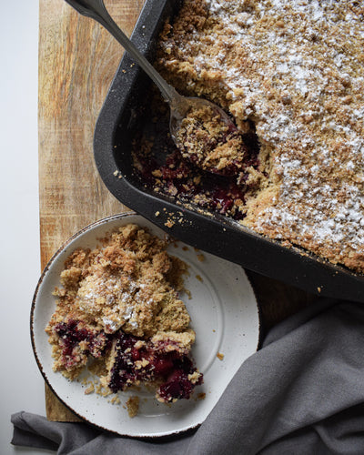 Berry olive oil crumble