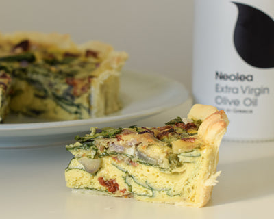 Spinach and sun-dried tomato quiche