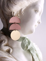 Load image into Gallery viewer, horizon earrings - blush - Zip & Mos