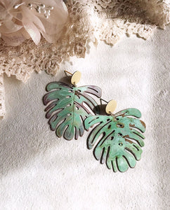 monstera earrings - verdigris - Zip & Mos