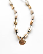 Load image into Gallery viewer, Seaside Seashell Necklace - Zip & Mos