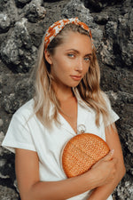 Load image into Gallery viewer, Matta Terra Handwoven Straw Clutch - Zip & Mos