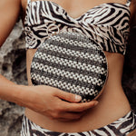 Load image into Gallery viewer, Matta Jackie Handwoven Straw Clutch - Zip & Mos