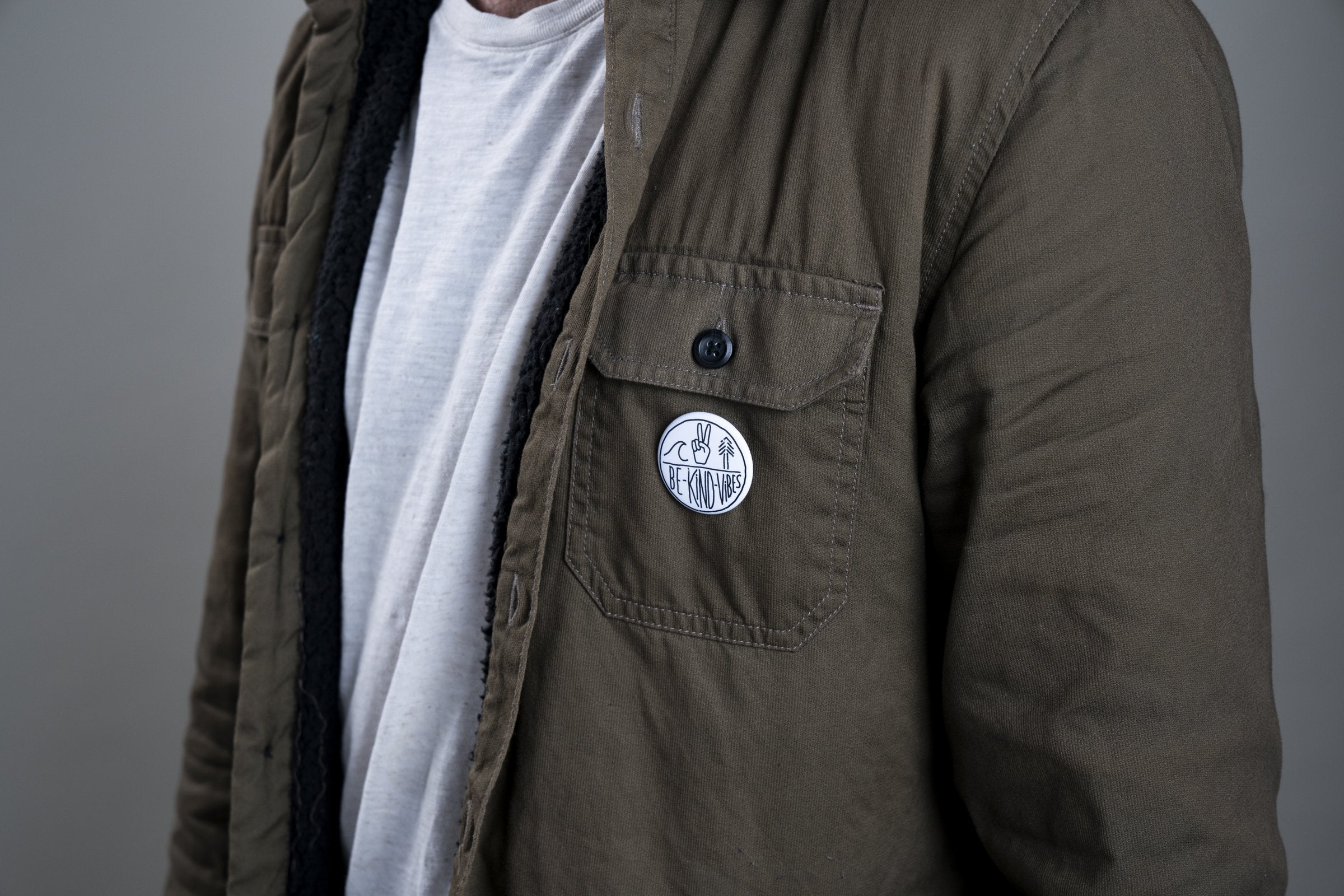 Vibes Button - Zip & Mos