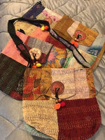 Load image into Gallery viewer, Gratitude Kantha Meditation Yoga Prayer Shawl - Zip & Mos