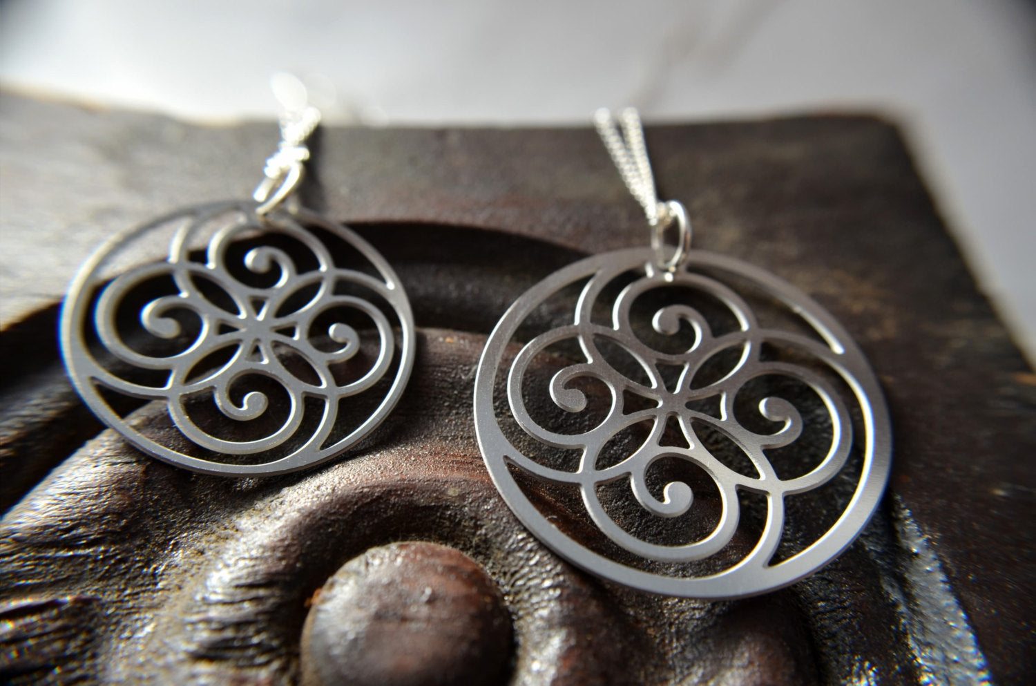 Spiral Circle Pendant & Earrings in Stainless Steel - Zip & Mos