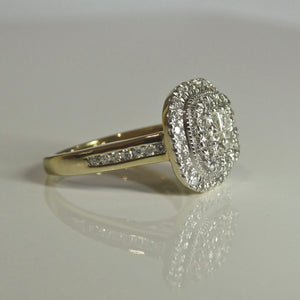 9ct Cluster Diamond Ring 0.77ct TW of Diamonds 4