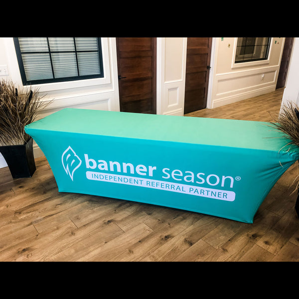 Banner Season Stretch Table Throw