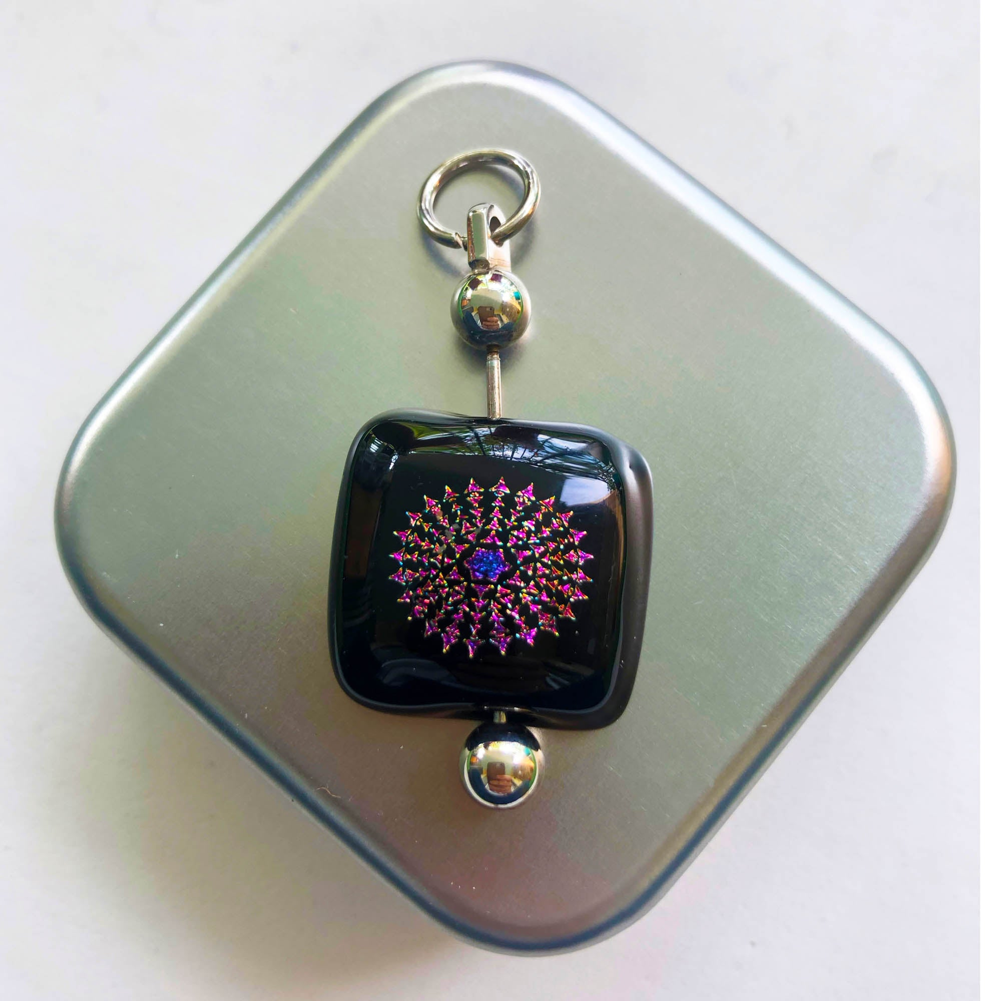 Pendant Square as Piercing, unisex, inspired in the metallic colors