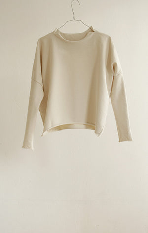 TOP#06_OFF-WHITE JUMPER IN ORGANIC COTTON JERSEY