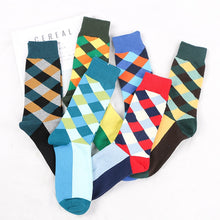 Load image into Gallery viewer, Retro Rhombus Men's Crew Socks Fashion Street