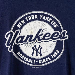 2001 Majestic New York Yankees Script Spell Out T-Shirt
