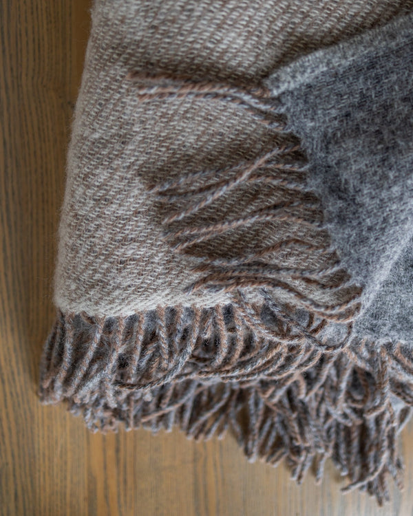 Alina New Zealand Wool Throw - YaYa & Co.