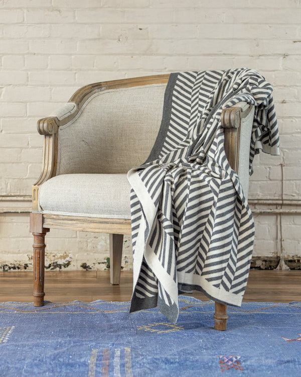 Anders Organic Cotton Knit Throw - YaYa & Co.