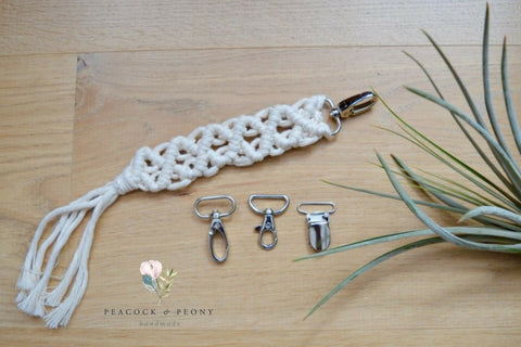 Pacifier clips (35 mm) in silver and bronze