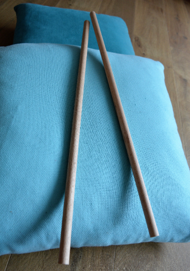 Package of five wooden sticks (30-50 cm)