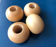 Wooden blanc (macrame) bead ø  2.5 cm with a hole of 1 cm - lightly vernished