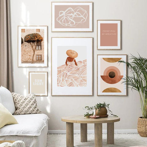 Image of gallery wall from Homeplistic