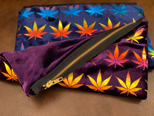POT LEAF pouch by IGE