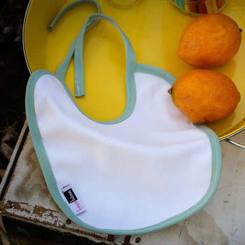 Eco-Friendly Antimicrobial Moisture Wicking Baby Bib: BonnBonn Baby