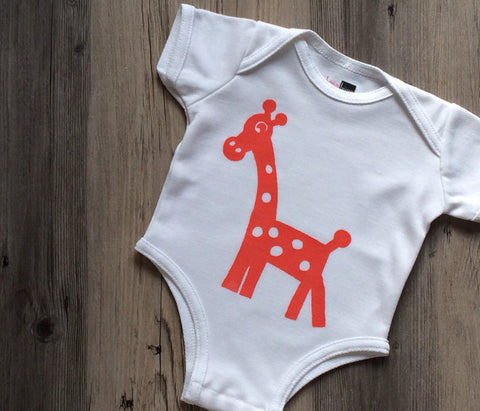 Georgie Giraffe Antimicrobial Wicking Bodysuit - BonnBonn Baby Antimicrobial Moisture Wicking Baby Essentials