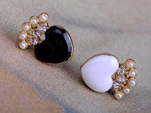 Load image into Gallery viewer, Pearl Enamel Crown Heart Stud Earrings Set