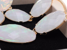 Load image into Gallery viewer, Oval Gem White Opal Dangling Necklace