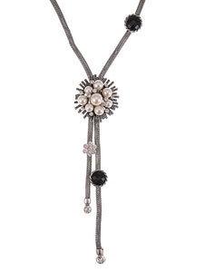 Pearl Wired Chain Flower Necklace
