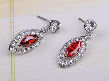 Load image into Gallery viewer, Swarovski Crystal Leaves Earring Necklace Set