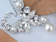 Load image into Gallery viewer, Swarovski Crystal Pearlescent Element Single Flower Earring Necklace Set
