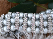 Load image into Gallery viewer, Vintage Pearl Wrap Stretch Bracelet