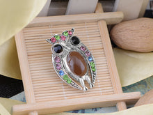 Load image into Gallery viewer, Staring Owl Bird Peridot Czech Pin Brooch