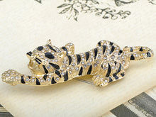 Load image into Gallery viewer, Gold Stripe Tiger Cat Brooch Pin