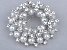 Load image into Gallery viewer, Shine Pearl Wedding Flower Wreath Lapel Brooch Pin