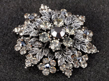 Load image into Gallery viewer, Gun Grey Floral Leaf Snowflake Wreath Crest Brooch Pin
