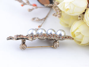 Bronze Topaz Four Pearl Peas In A Pod Brooch