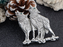 Load image into Gallery viewer, Emerald Green Eyes Howling Couple Wolves Animals Lapel Brooch Pin
