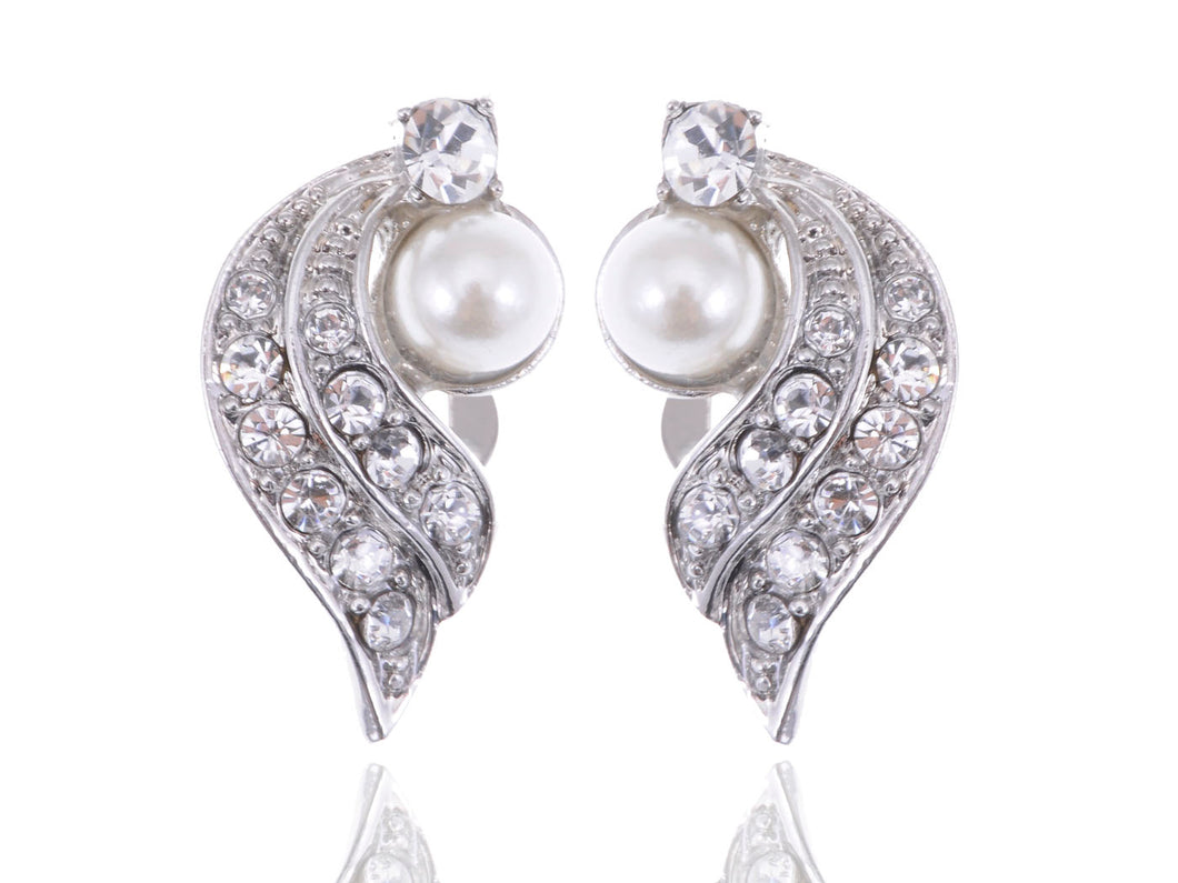 Beautiful Winter Swan Pearl Earrings