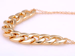 D Chain Link Style Necklace With Double Chains And Locking Closure