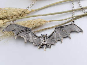 Frightening Halloween Black Enamel Paint Flying Bat Chain Necklace Pendant