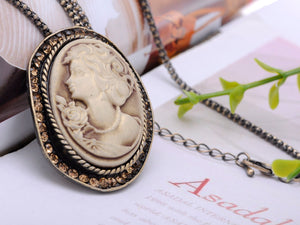 Antique Light Brown Vintage Cameo Woman Pendant Necklace