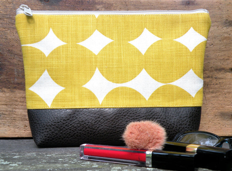 Cosmetic Clutch in Yellow Dots-Red Staggerwing