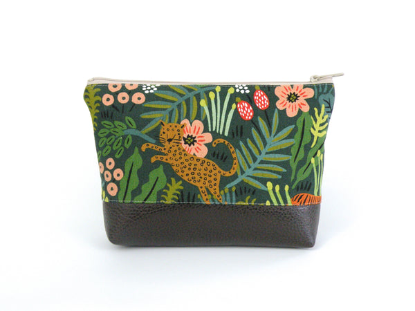 Cosmetic Clutch in Grey Linen Owl print