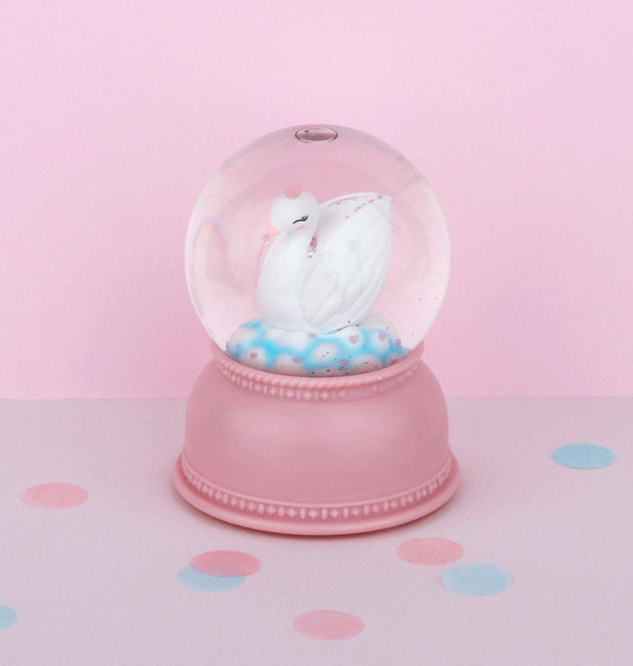 Little Lovely Snowglobe Swan