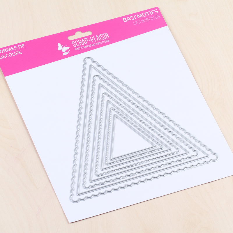 Set de 8 matrices de découpe grands fanions triangles - 14,5x14,5cm